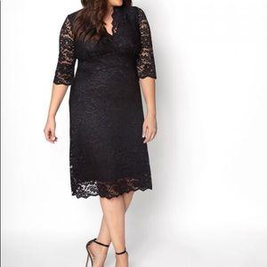 Kiyonna NWT Scalloped Boudoir Lace dress 🔥